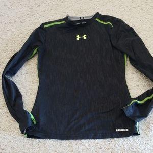 Under Armour Y Medium upf 30 shirt